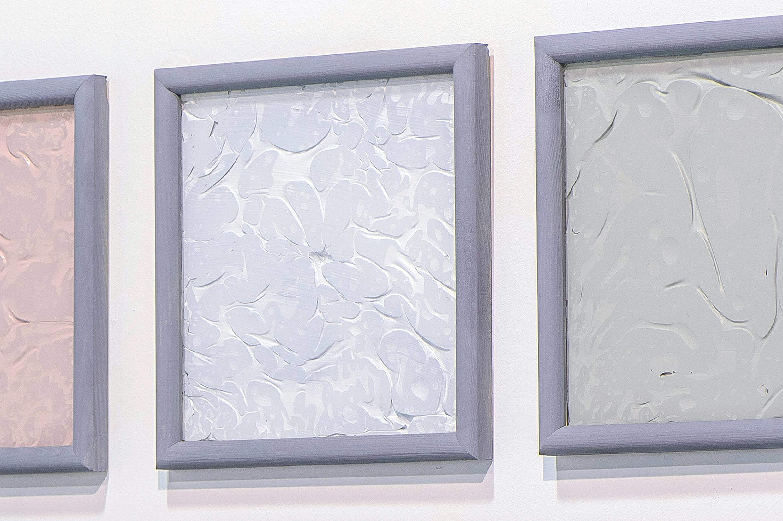 Małgorzata Pawlak,  Farba, 2015, 12(21x21cm),błona akrylowa za szybą (detal)