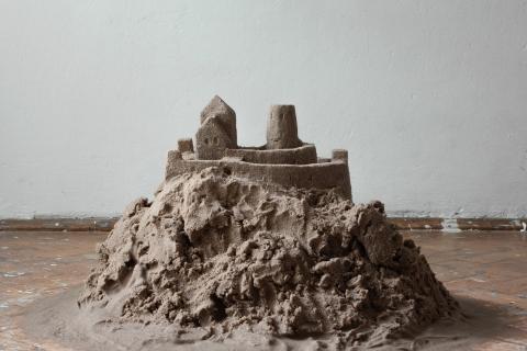Pomnik, piach, 2020
